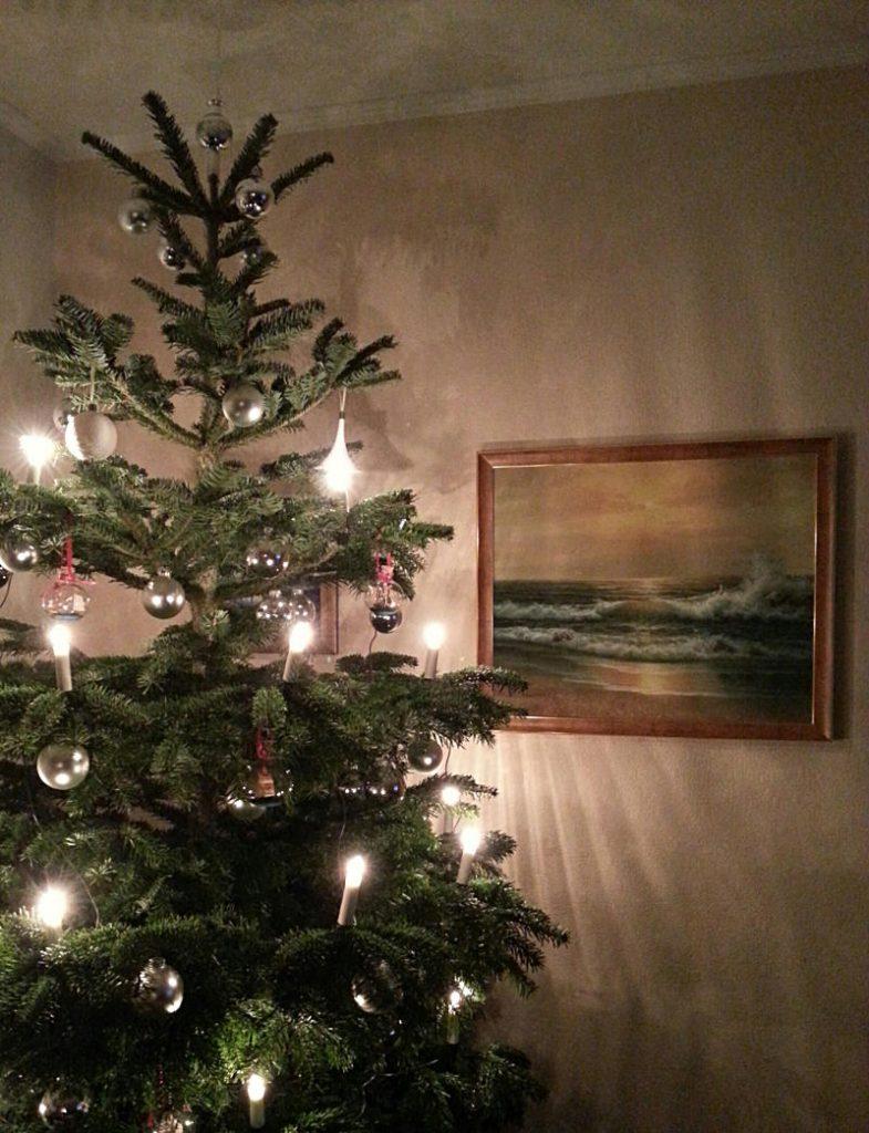 Weihnachtsbaum mit Wasserbild